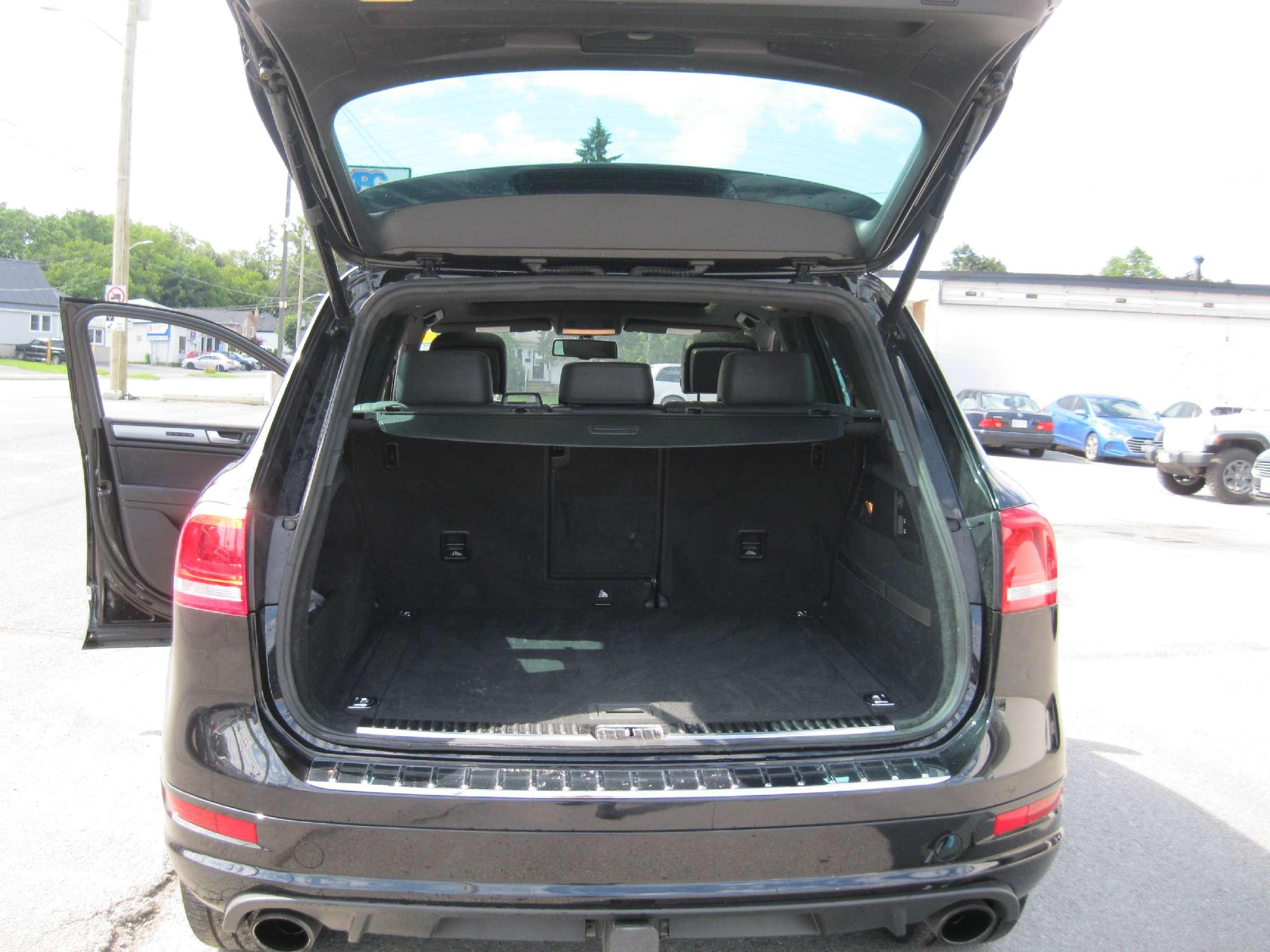 2014 Volkswagen Touareg 3.6L Execline (Stk: 170931K) in Richmond - Image 10 of 13