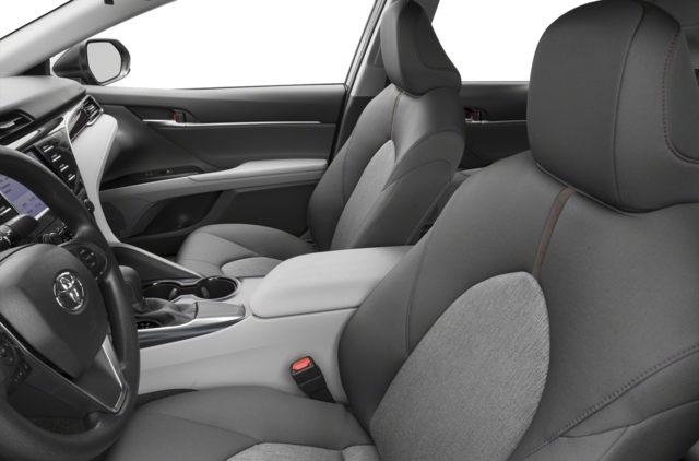 2018 Toyota Camry LE (Stk: 18020) in Walkerton - Image 6 of 9