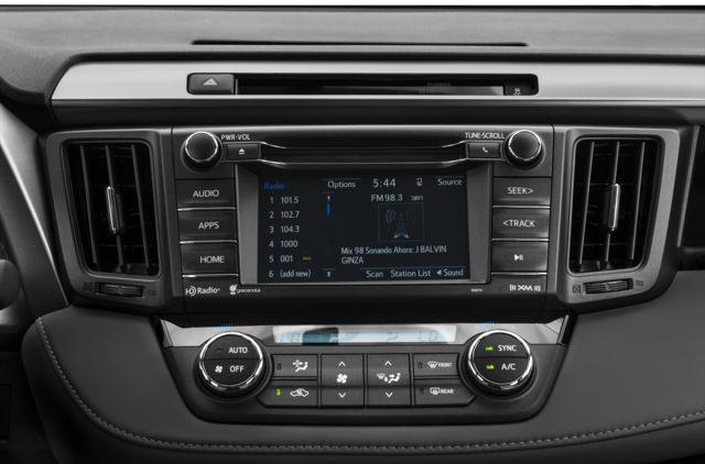 2018 Toyota RAV4 XLE (Stk: 18045) in Walkerton - Image 7 of 9