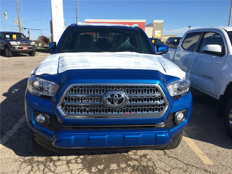 2017 Toyota Tacoma SR5 V6 (Stk: 7TA1155) in Georgetown - Image 2 of 5