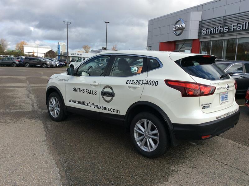 2017 Nissan Qashqai SV (Stk: 17-427) in Smiths Falls - Image 3 of 13
