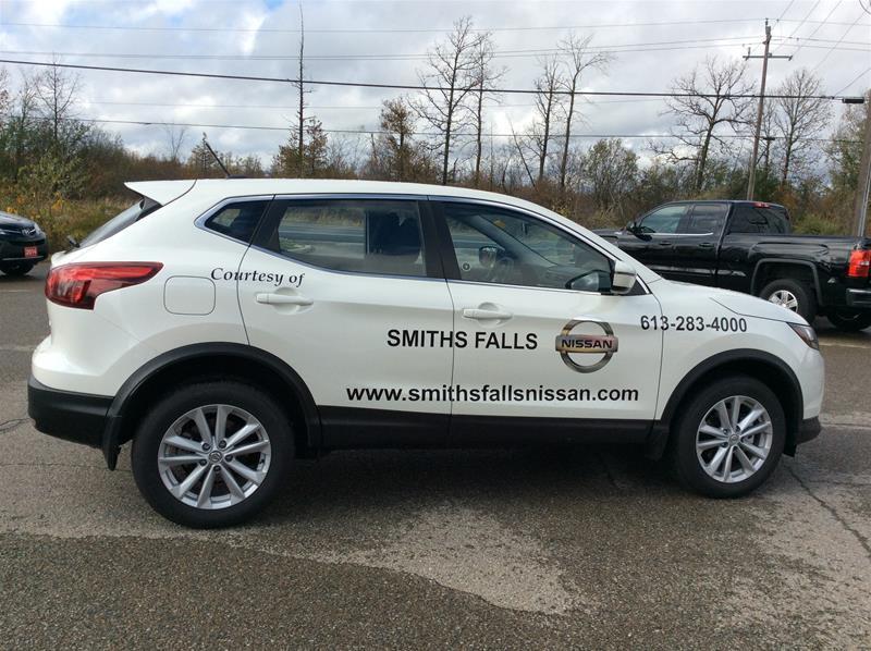 2017 Nissan Qashqai SV (Stk: 17-427) in Smiths Falls - Image 4 of 13