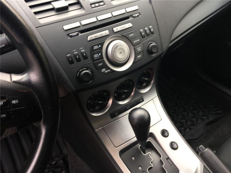 2011 Mazda Mazda3 GX (Stk: U29117) in Goderich - Image 12 of 15