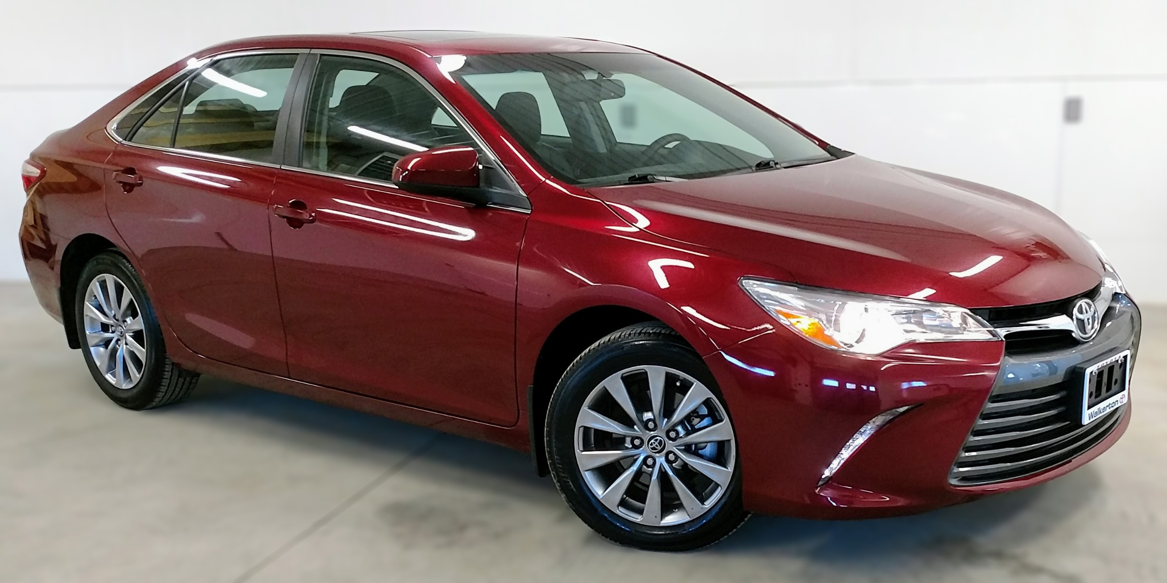 2015 Toyota Camry XLE (Stk: 18114A) in Kincardine - Image 3 of 30