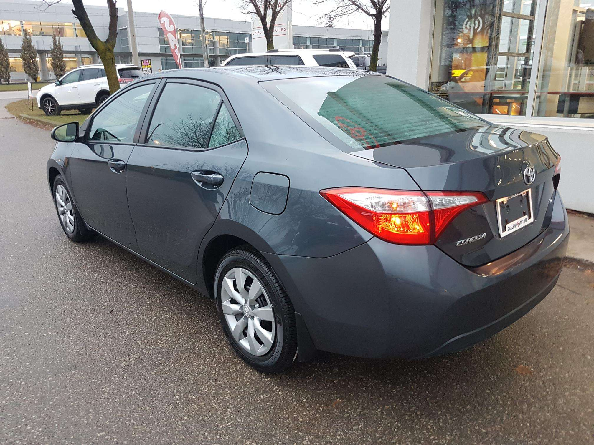 2016 Toyota Corolla LE (Stk: u00621) in Guelph - Image 3 of 27