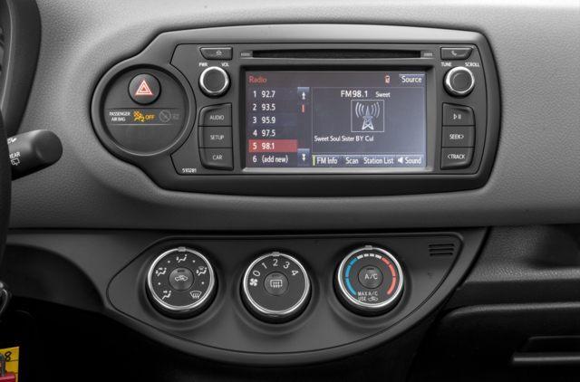 2018 Toyota Yaris SE (Stk: 18142) in Walkerton - Image 7 of 9