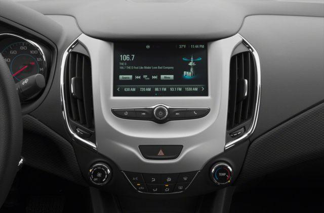 2018 Chevrolet Cruze LS Auto (Stk: 8143056) in Scarborough - Image 7 of 9