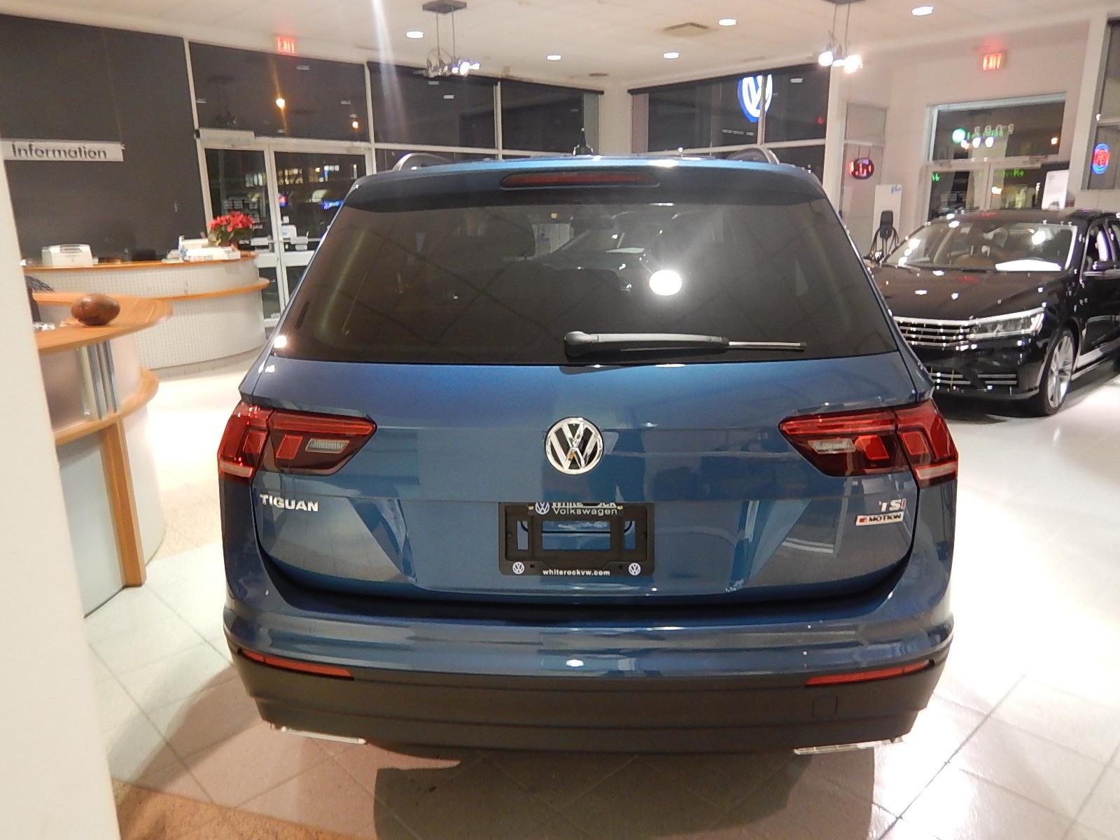 2018 Volkswagen Tiguan Comfortline (Stk: JT088090) in Surrey - Image 3 of 23
