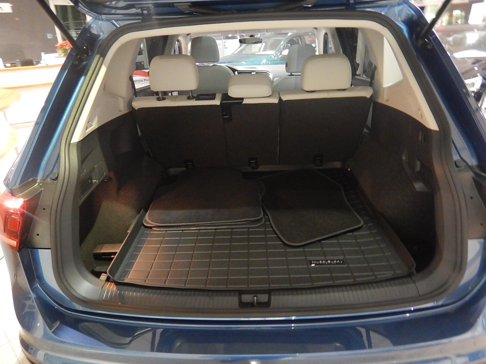 2018 Volkswagen Tiguan Comfortline (Stk: JT088090) in Surrey - Image 4 of 23