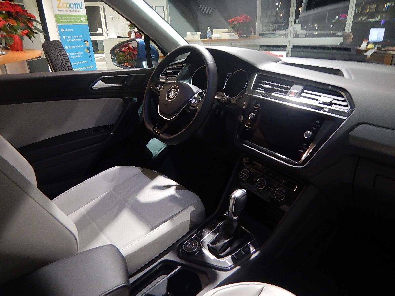 2018 Volkswagen Tiguan Comfortline (Stk: JT088090) in Surrey - Image 18 of 23