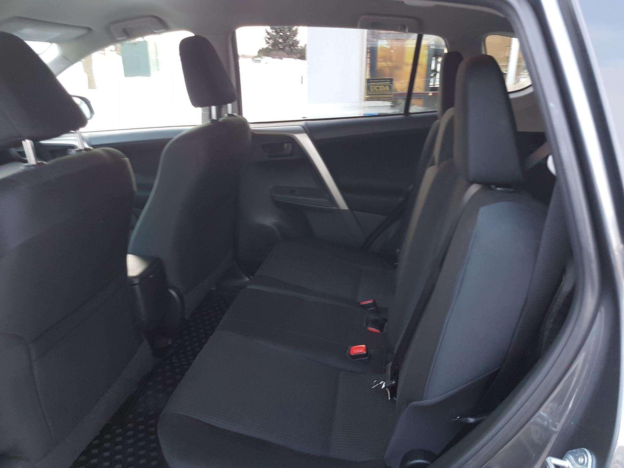 2015 Toyota RAV4 LE (Stk: U00669) in Guelph - Image 14 of 30