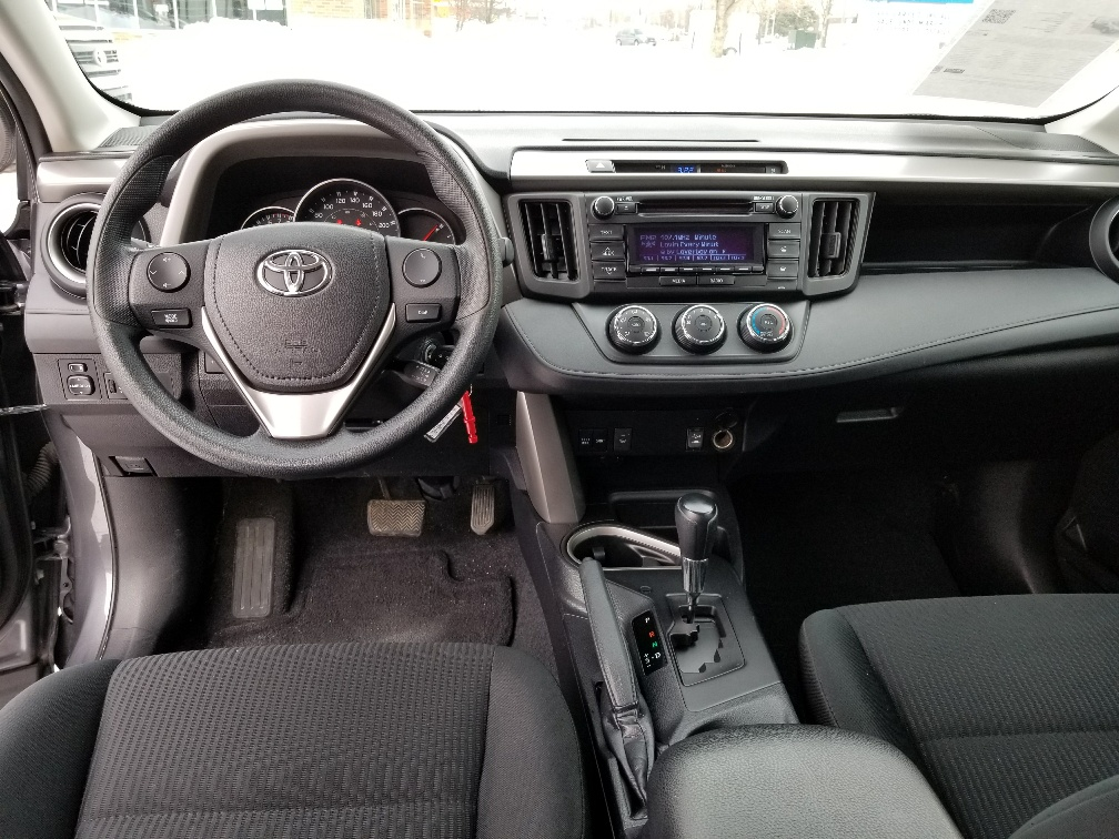2016 Toyota RAV4 LE (Stk: U00606) in Guelph - Image 12 of 19