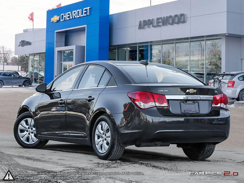 2016 Chevrolet Cruze Limited 1LT (Stk: 8935P) in Mississauga - Image 4 of 26