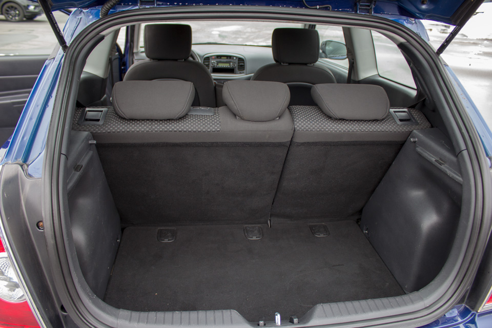 2011 Hyundai Accent  (Stk: P9126) in Surrey - Image 10 of 24