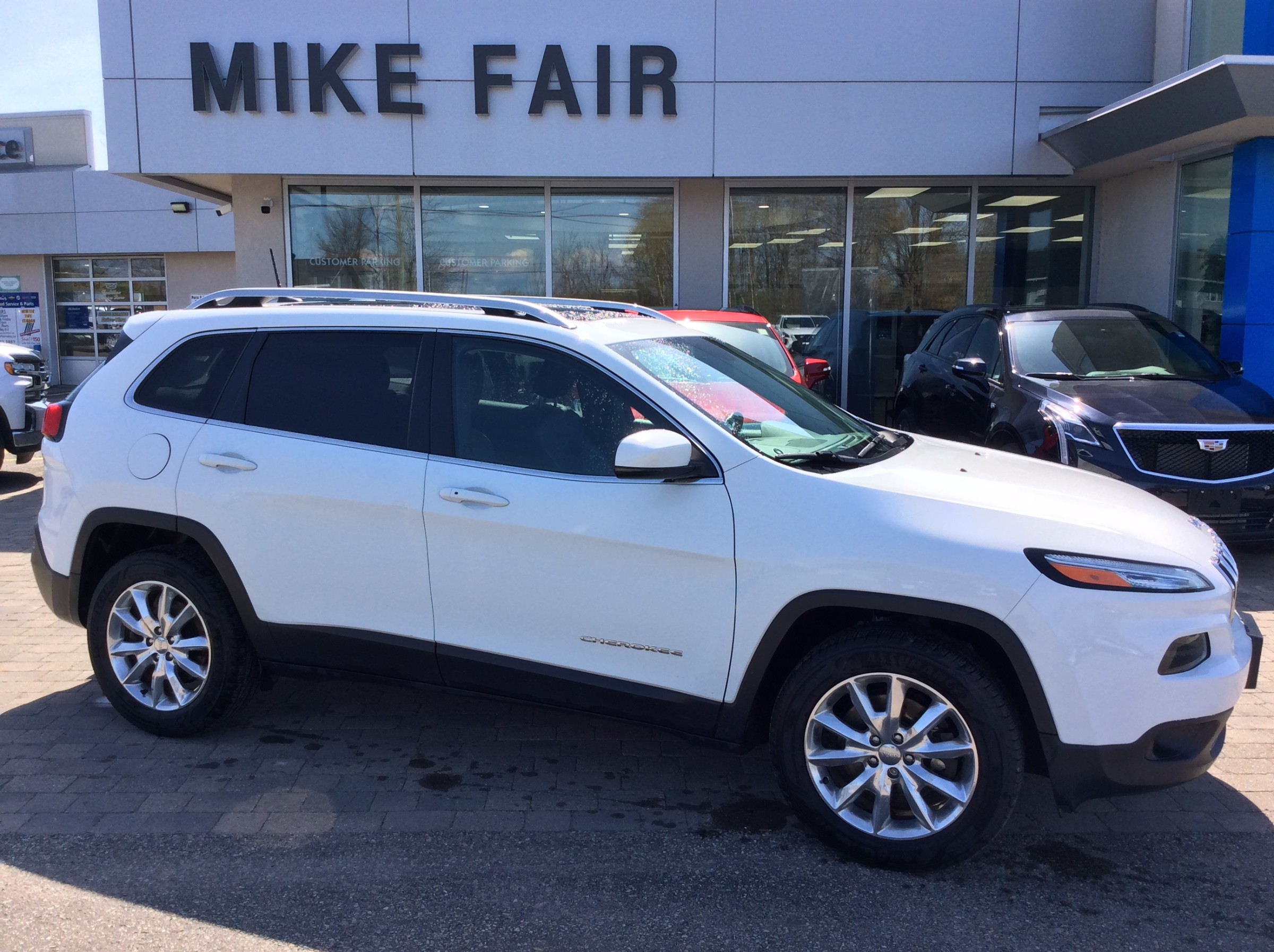 2016 Jeep Cherokee Limited - 70,250km