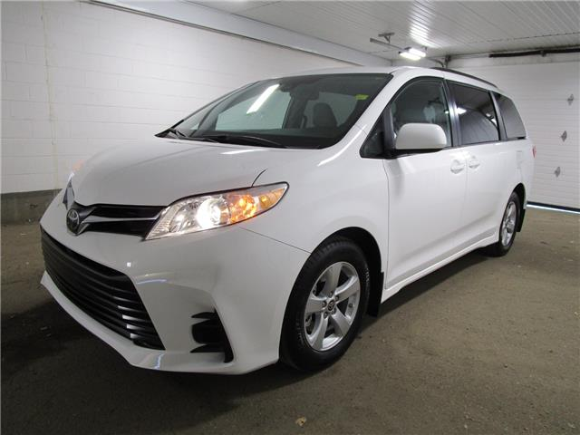 2020 Toyota Sienna LE 8-Passenger (Stk: 203674) in Regina - Image 1 of 24