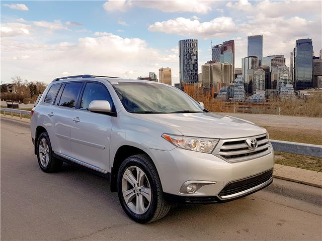 2013 Toyota Highlander V6 Limited (Stk: N2914) in Calgary - Image 1 of 29