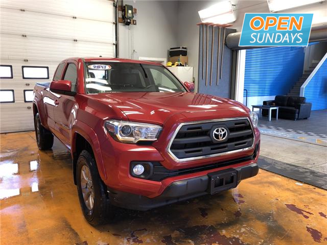 2017 Toyota Tacoma SR5 (Stk: 17-073492) in Lower Sackville - Image 5 of 14