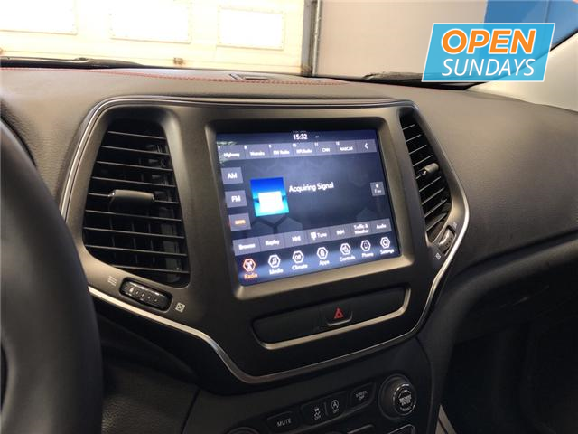 2019 Jeep Cherokee Trailhawk (Stk: 19-210244) in Lower Sackville - Image 14 of 16