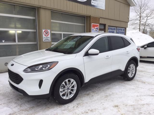 2020 Ford Escape SE (Stk: 20-60) in Kapuskasing - Image 1 of 8