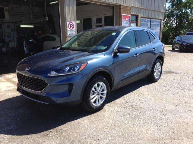 2020 Ford Escape SE (Stk: 20-208) in Kapuskasing - Image 1 of 8