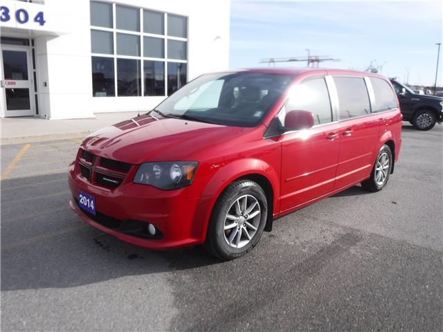 2014 Dodge Grand Caravan R/T (Stk: U-4543) in Kapuskasing - Image 1 of 12