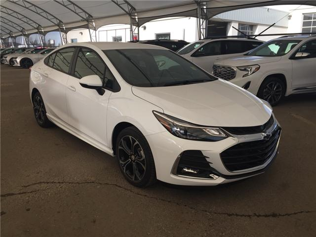 2019 Chevrolet Cruze LT (Stk: 168845) in AIRDRIE - Image 1 of 21