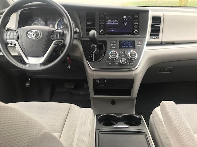 2019 Toyota Sienna LE 8-Passenger (Stk: U01294) in Guelph - Image 9 of 18