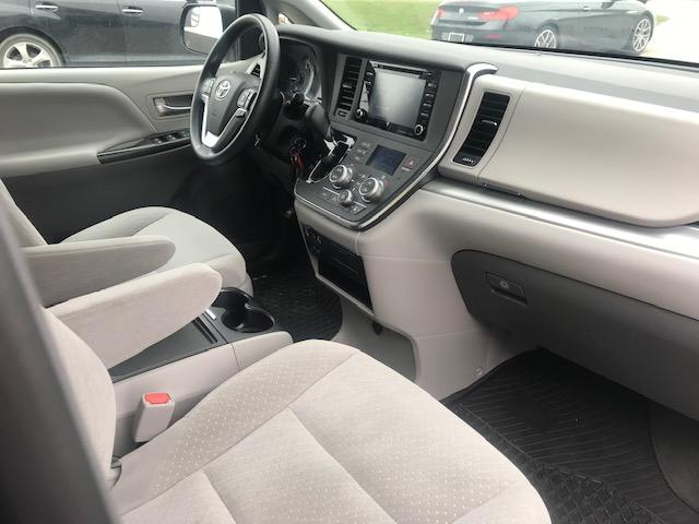 2019 Toyota Sienna LE 8-Passenger (Stk: U01294) in Guelph - Image 13 of 18