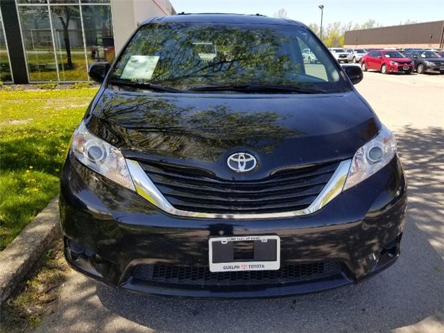 2017 Toyota Sienna LE 8 Passenger (Stk: U01073) in Guelph - Image 2 of 25