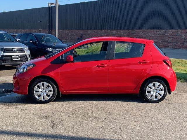 2015 Toyota Yaris LE (Stk: U01431) in Guelph - Image 3 of 17