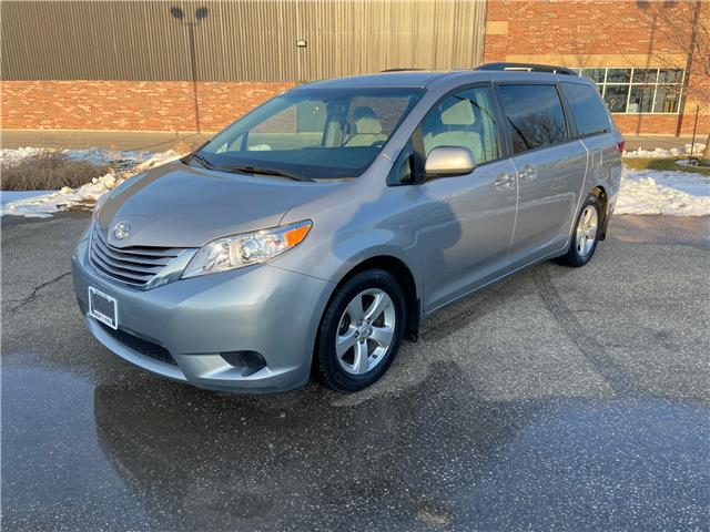 2015 Toyota Sienna LE 8 Passenger (Stk: U01591) in Guelph - Image 1 of 25