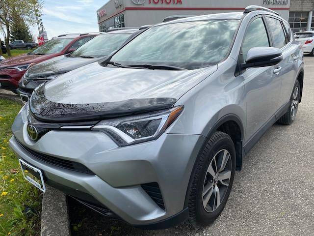 2018 Toyota RAV4 LE (Stk: U01612) in Guelph - Image 1 of 23