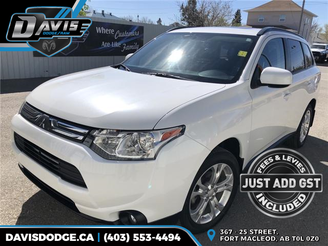 2014 Mitsubishi Outlander ES (Stk: 11242) in Fort Macleod - Image 1 of 20