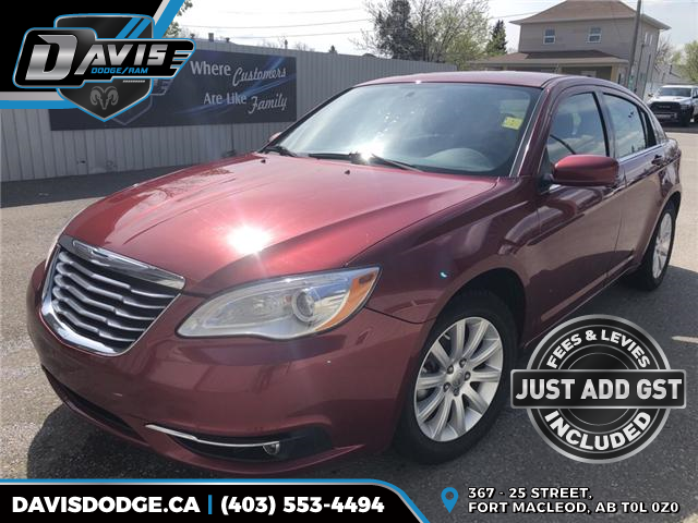2014 Chrysler 200 Touring (Stk: 14933) in Fort Macleod - Image 1 of 17