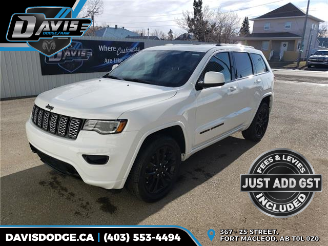 2020 Jeep Grand Cherokee Laredo (Stk: 16609) in Fort Macleod - Image 1 of 23