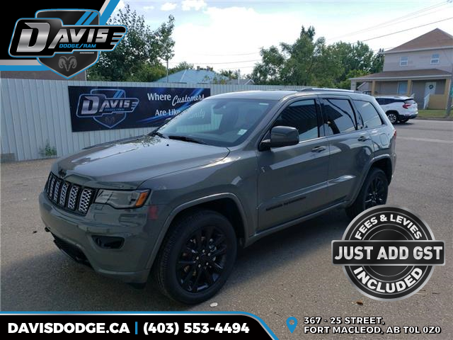 2020 Jeep Grand Cherokee Laredo (Stk: 17664) in Fort Macleod - Image 1 of 21