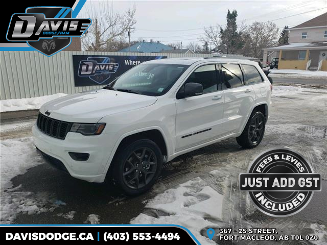 2021 Jeep Grand Cherokee Limited (Stk: 18165) in Fort Macleod - Image 1 of 24