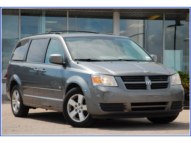 2009 Dodge Grand Caravan SE (Stk: 9F2700AX) in Kitchener - Image 1 of 17