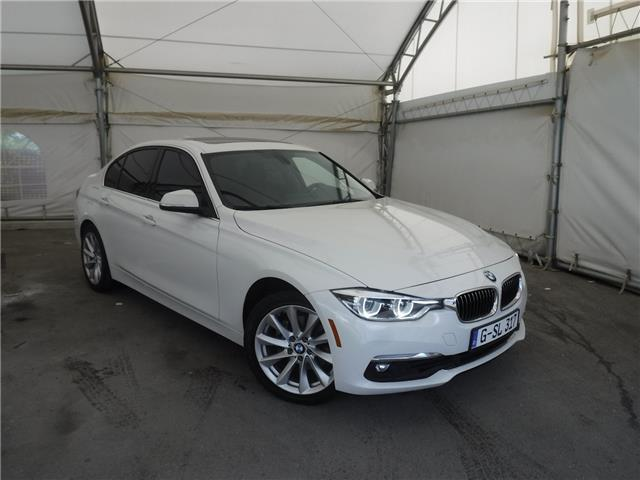 2016 BMW 328i xDrive (Stk: S3038) in Calgary - Image 1 of 27