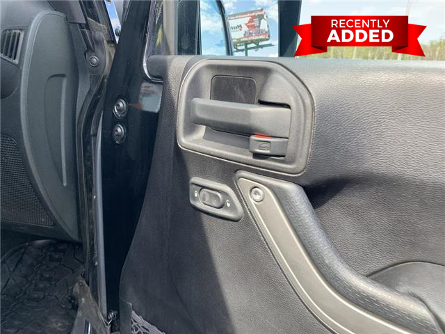 2015 Jeep Wrangler Unlimited Sport (Stk: A2970) in Miramichi - Image 21 of 30