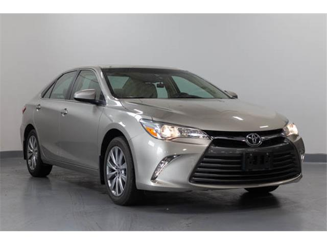 2016 Toyota Camry XLE (Stk: 607716T) in Brampton - Image 1 of 15