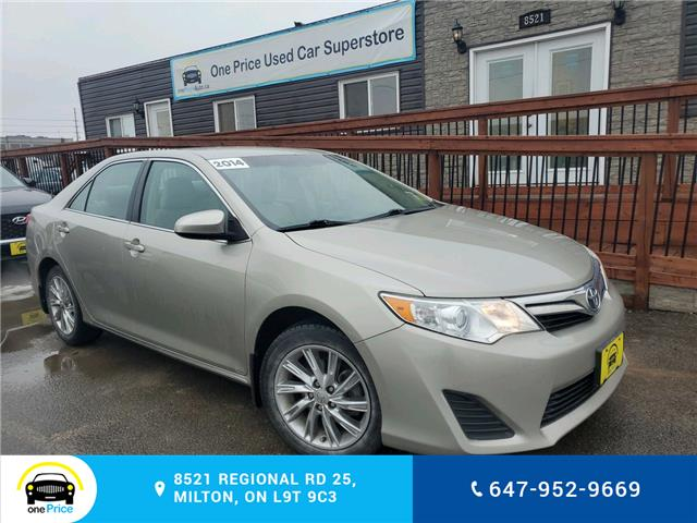 2014 Toyota Camry LE (Stk: 10555) in Milton - Image 1 of 23