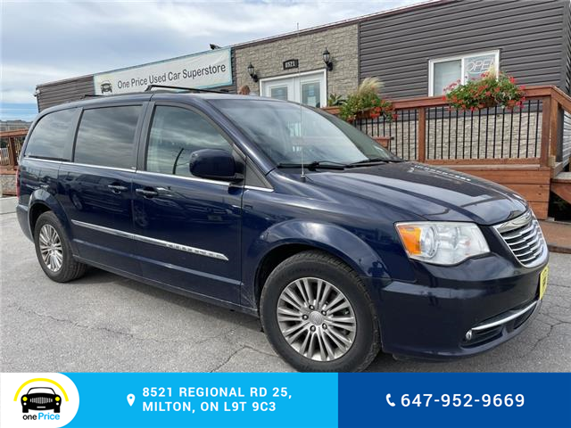 2014 Chrysler Town & Country Touring-L (Stk: 11120) in Milton - Image 1 of 24