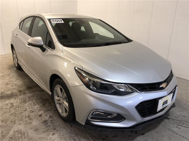 2017 Chevrolet Cruze LT Auto (Stk: 536001) in Milton - Image 1 of 30