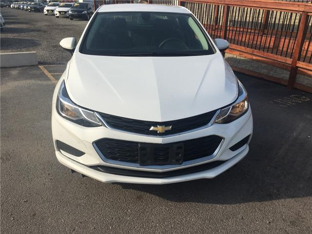 2018 Chevrolet Cruze LT Auto (Stk: 197117) in Milton - Image 2 of 12