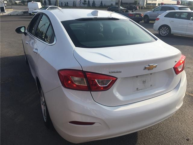 2018 Chevrolet Cruze LT Auto (Stk: 197117) in Milton - Image 4 of 12