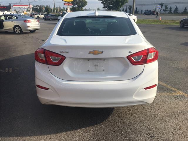 2018 Chevrolet Cruze LT Auto (Stk: 197117) in Milton - Image 5 of 12