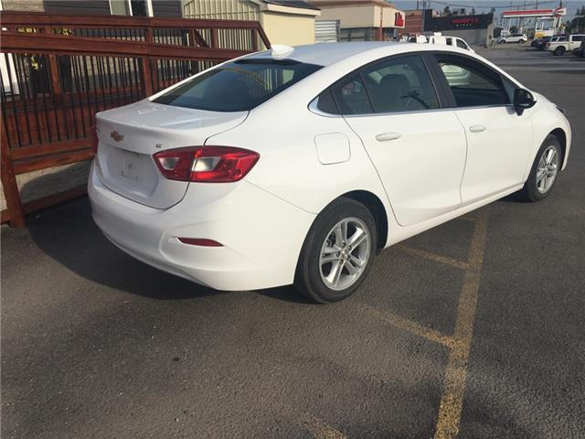 2018 Chevrolet Cruze LT Auto (Stk: 197117) in Milton - Image 6 of 12