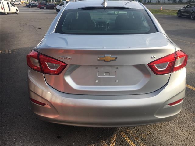2018 Chevrolet Cruze LT Auto (Stk: ) in Milton - Image 5 of 10